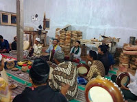 Irama Rebana Syrakal dimainkan untuk mengiri Shalawatan dan hiburan religius