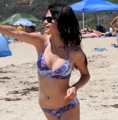selena gomez hot body bikini