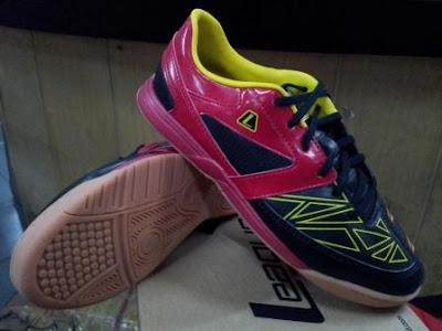 Gioro 2 fraction 105492 063w 249 Sepatu Futsal League Terbaru