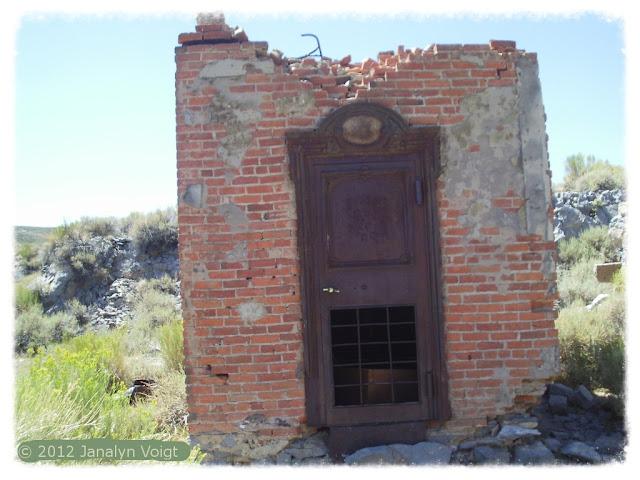 Brick strongroom, Bodie ghost town