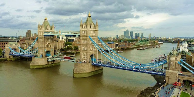 Tower Bridge - London attractions