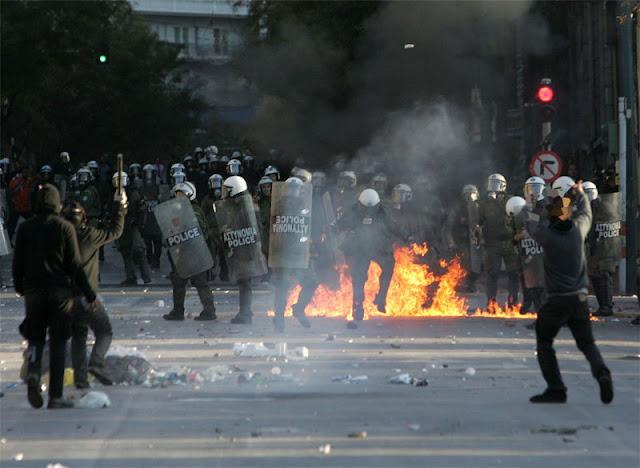 Grécia: PRIMEIRO-MINISTRO ANUNCIA REFERENDO PARA O OUTONO