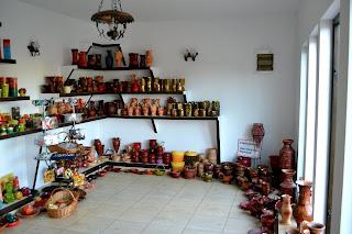 Casa Pietraru, Horezu- Colectia de vaze, ulcele, blide, strachini