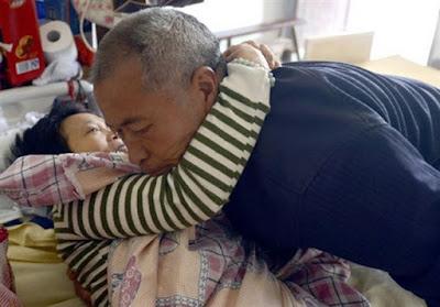 Empat Kisah Cinta Pasangan Lansia Paling Menharukan di Dunia