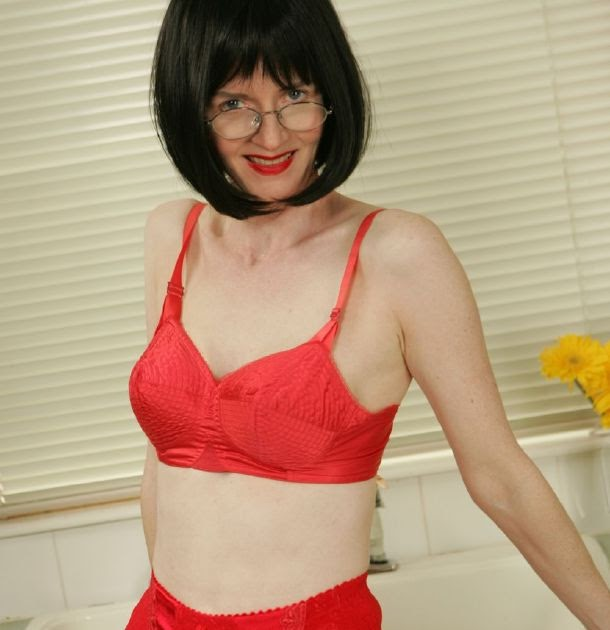mature lovers: Mature Teacher Julia Academy of nylons 07