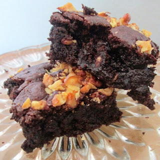 http://themessykitchenuk.blogspot.co.uk/2015/08/walnut-brownies.html
