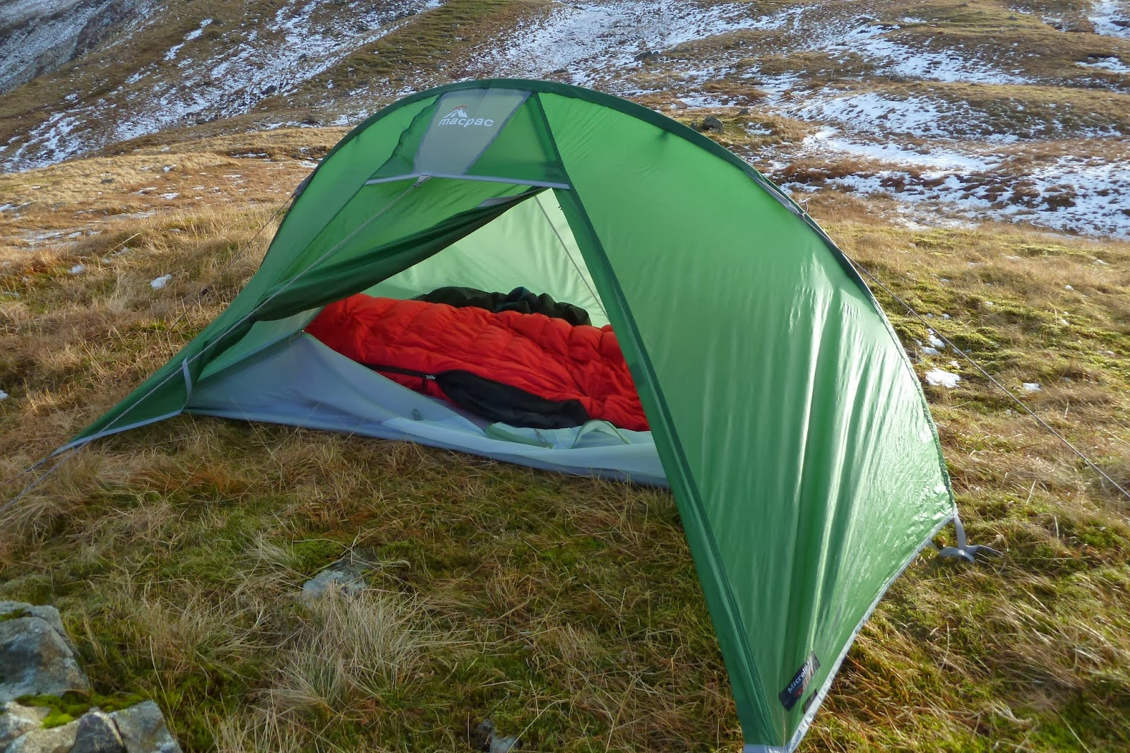 Another gear review - the Macpac Microlight tent & the outdoor diaries: Another gear review - the Macpac Microlight tent