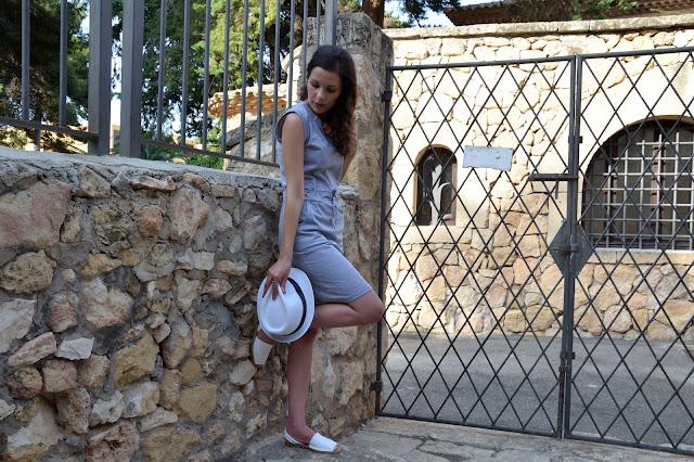 vestido-verano-summer-gris-sombrero-look-mar