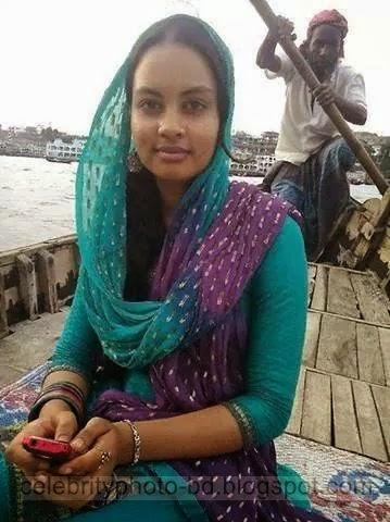 Bangladeshi%2BNormal%2BVillage%2BGirls%2BLatest%2BPhotos013