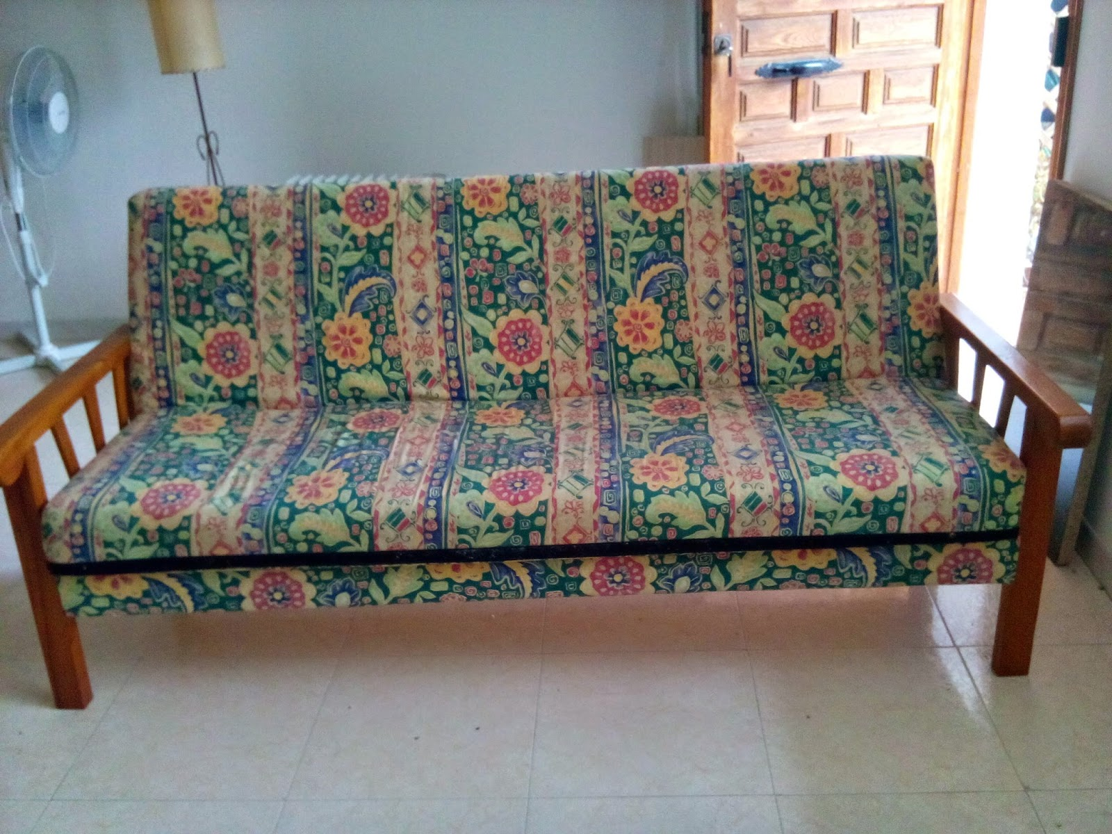 Digame for sale bed settee for Settees for sale