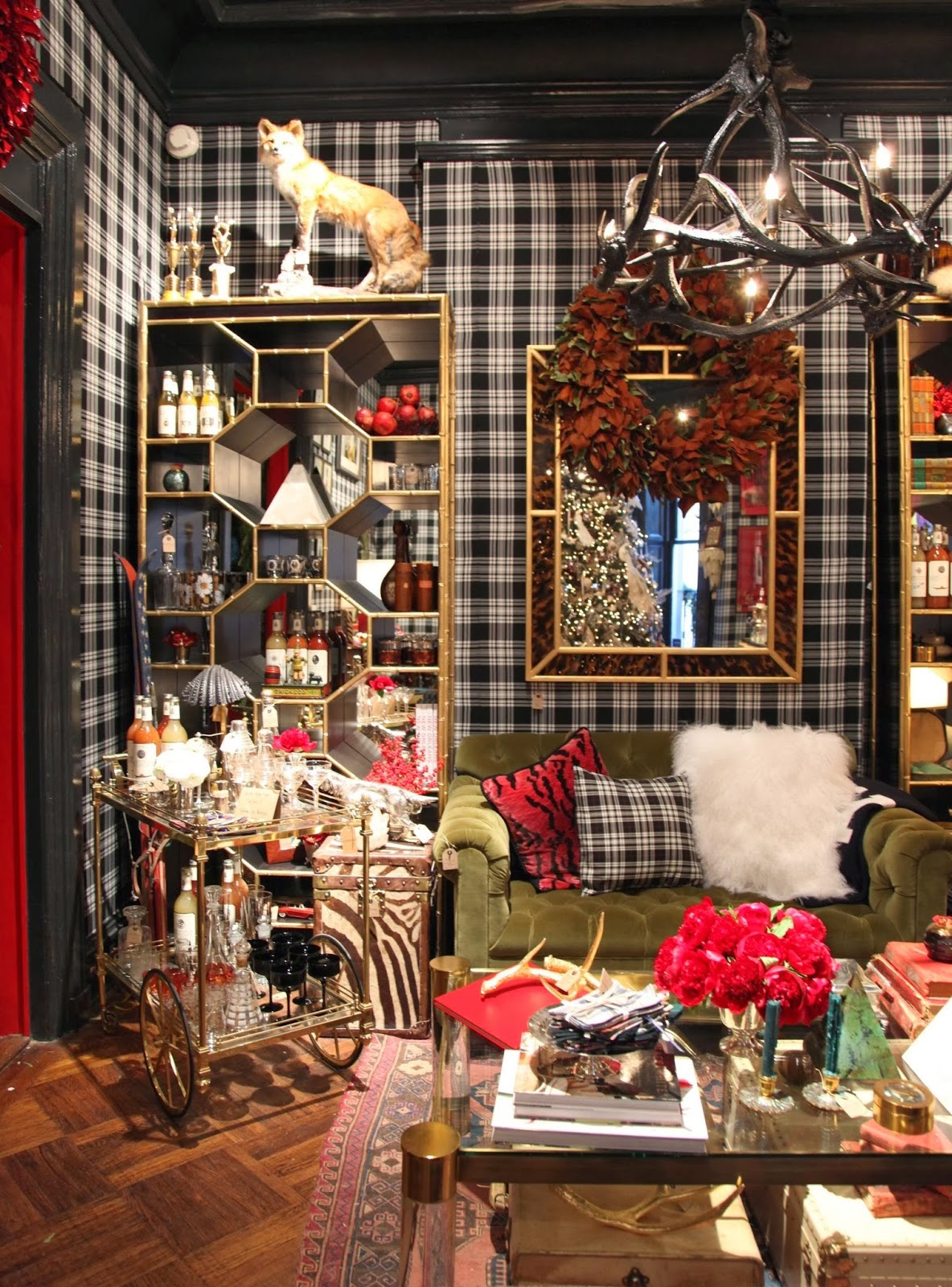Habitually Chic Chic In Ny The Holiday Workshop