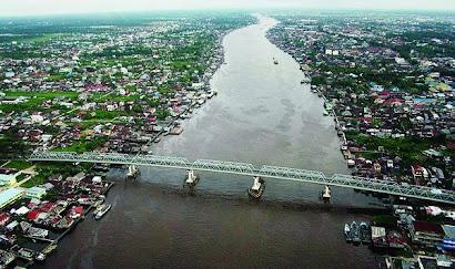 SUNGAI%2BKAPUAS1 9 Sungai Terpanjang Di Indonesia