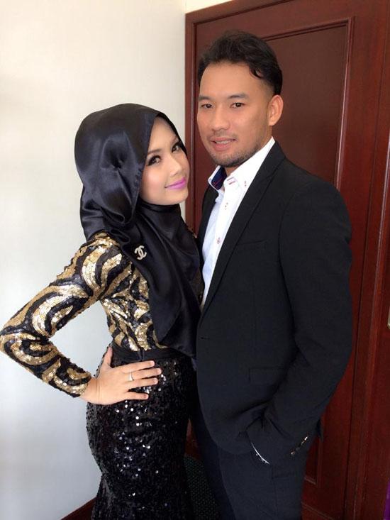 Gambar dan foto Furyna Mohd Azmir bersama suami