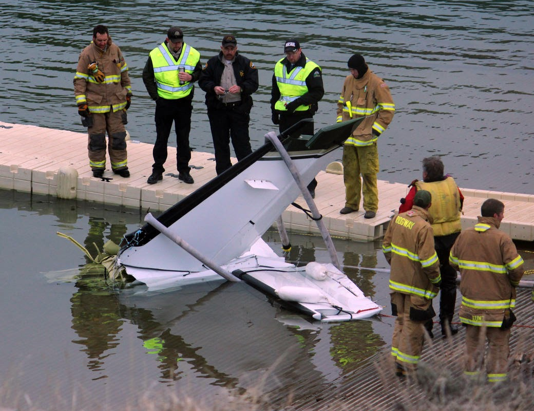 Mini plane carrying five people crashed in a reservoir authorities