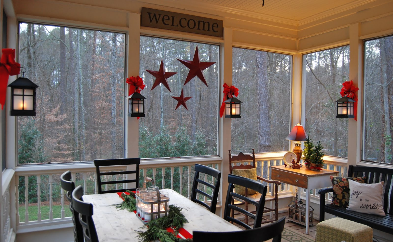 Decorating A Screened Porch Imparting Grace Christmas On The Porch