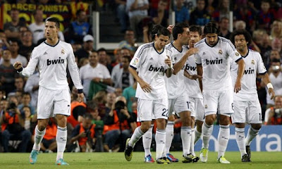 All the Real Madrid team celebrate a Cristiano goal