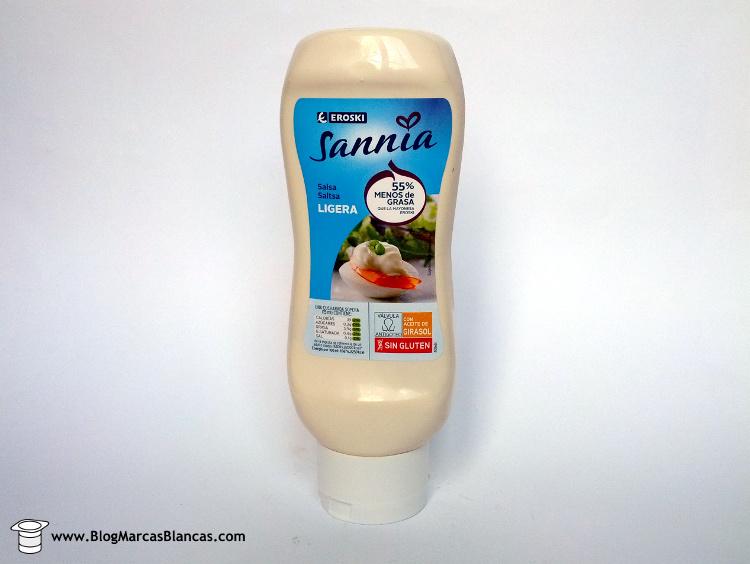 Eroski Sannia. Salsa ligera (tipo mayonesa light) con un 55% menos de grasa que la mayonesa tradicional.