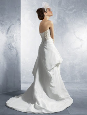 Taffeta+and+Net+over+Lace+Strapless+Flower+Wedding+Dress