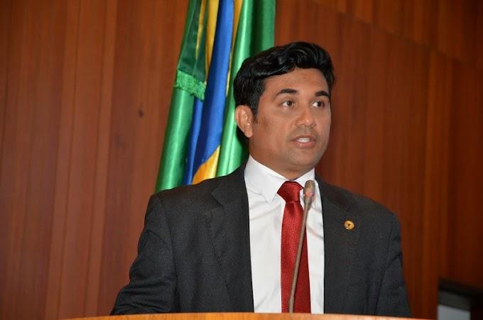 Deputado Wellington homenageia jovens empreendedores em sessão solene