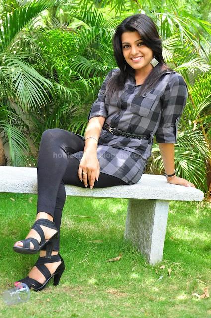 Hot tashu kaushik latest photos