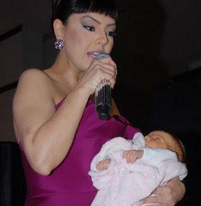 Ebru Gündeş'in bebeğinin cinsiyeti belli oldu