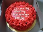 RED VELVET CAKE...hurmmmmm merahnyeeee