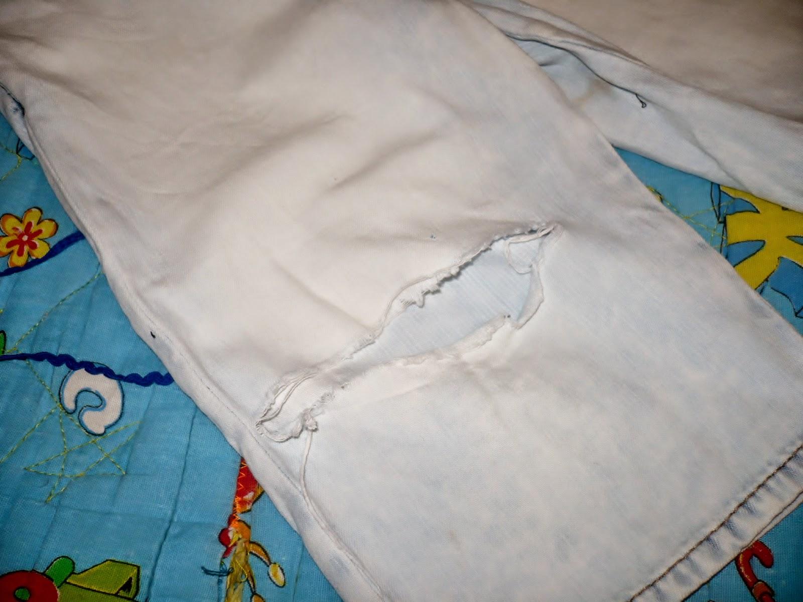 джинсы порваны