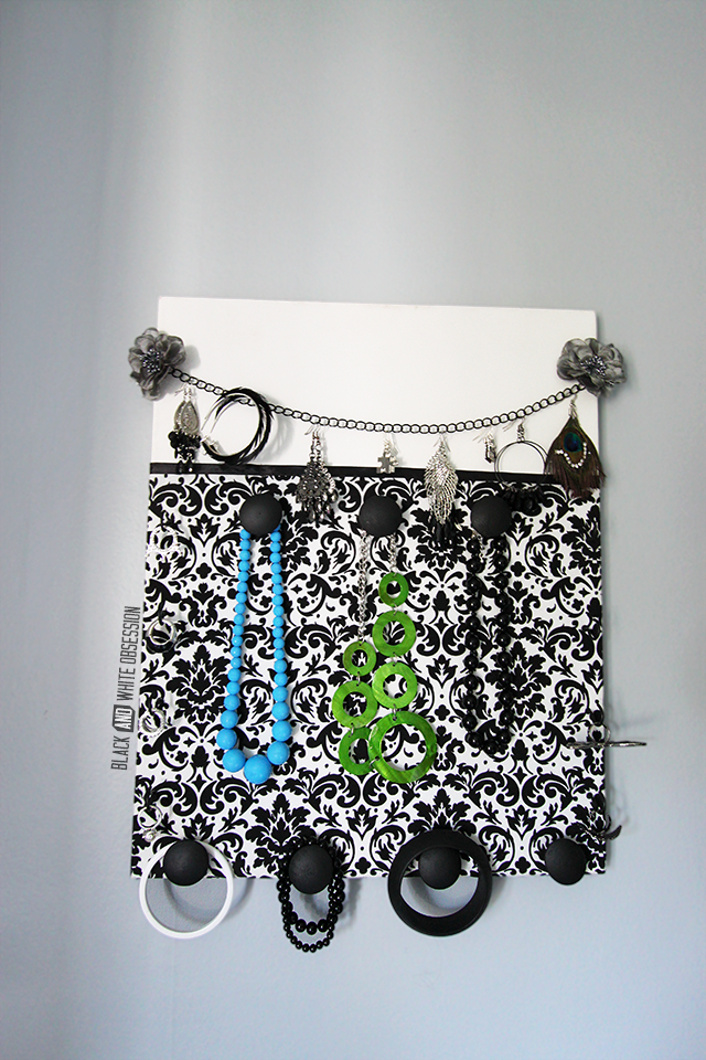 DIY Canvas Jewelry Organizer | www.blackandwhiteobsession.com