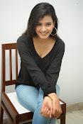 Hebah Patel glam pics in black top-thumbnail-1