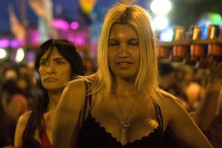 Transexuais e travestis argentinas podem escolher gênero