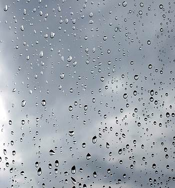 deszcz krople szyba