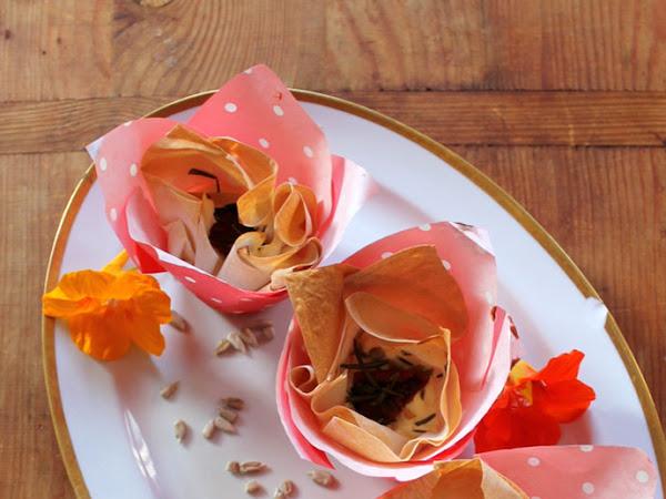 Schnell und leicht - Yufka-Törtchen mit Feta, Rosmarin & getrockneten Tomaten (nach Sodapop)