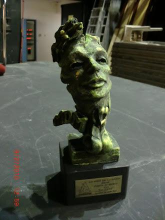 Premio acabado en terracota  bronce