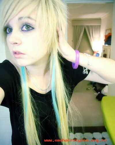 emo hairstyles 2011. hairstyles 2011 women blonde.