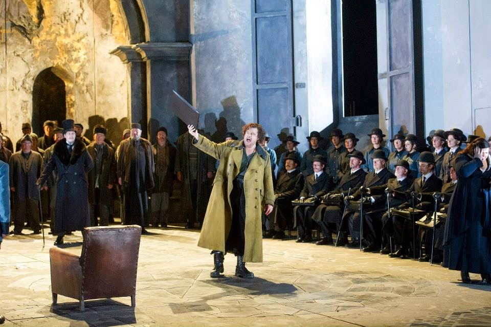 Barnaby Read, Stuart Skelton and chorus - Verdi's Otello - English National Opera - photo credit Alastair Muir