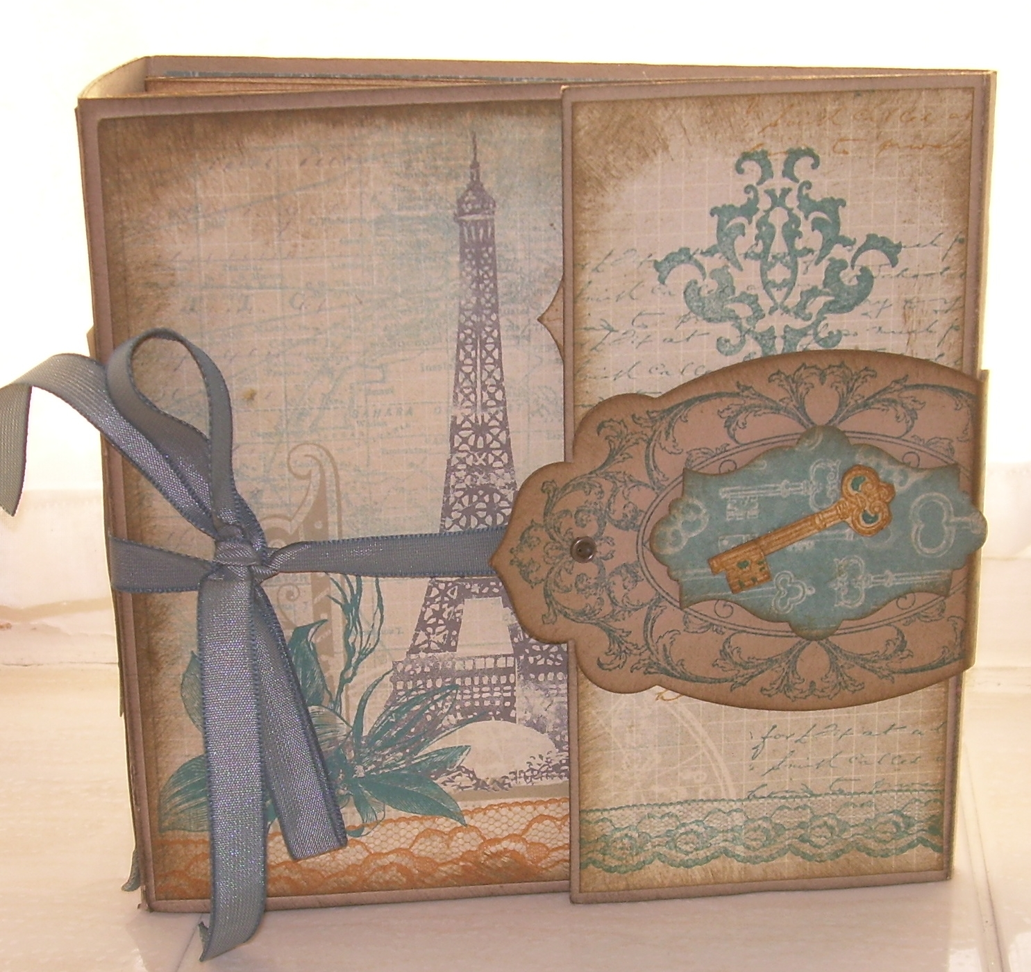 How to make scrapbook vintage - This Scrapbook Apx 6 X 6 Is Made From Scratch Using Cardstock And Paper And Was A Labour Of Love To Design I Really Never Expected To Teach It But