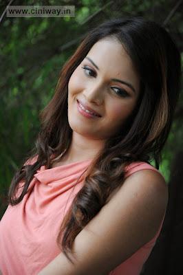 Angel-Singh-at-Anandam-Malli-Modalaindi-Opening