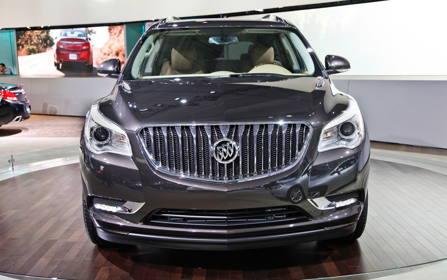 late news update left buick enclave view magazine automobile driven rear