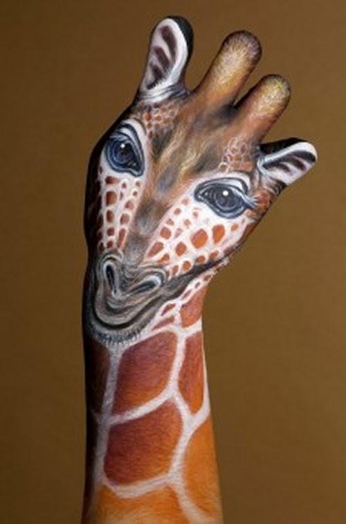 13-Giraffe-Guido-Daniele-Artist-Hand-Painting-Italian