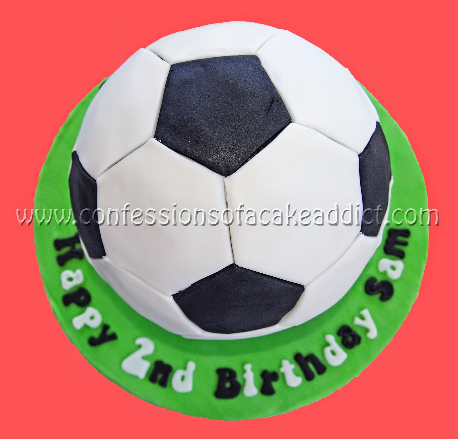 confessions of a cake addict : How to Make a Soccer Ball Cake