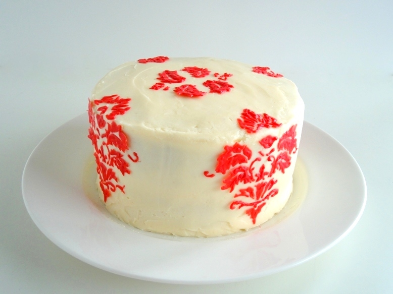 Red Velvet Cake Design Ideas : tast-e baking and caking adventures: Damask Red Velvet ...