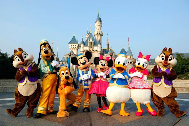[Hình: tf_141201_Disneyland%2B2.jpg]