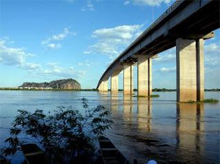 http://1.bp.blogspot.com/-Oh98031HBhk/TZB46-WYqEI/AAAAAAAAATM/69vIaJZST8I/s320/01_ponte+gercino+coelho.jpg