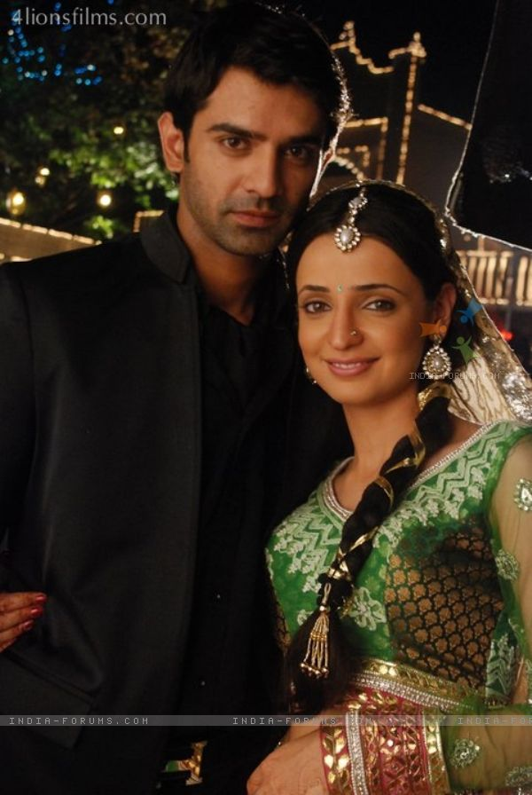 137436 Still Image Of Arnav And Khushi