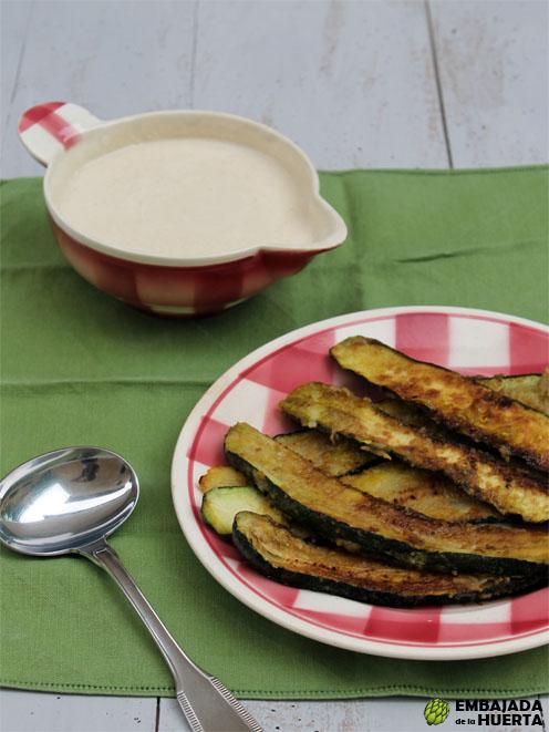 Receta de Tiras de calabacín con salsa Skordaliá