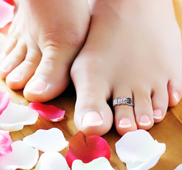 Natural Beauty Tips: How to make your feet soft and beautiful