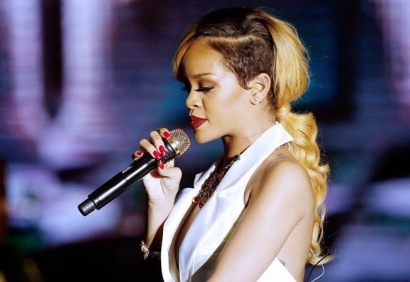 Rihanna Haircuts in 2014