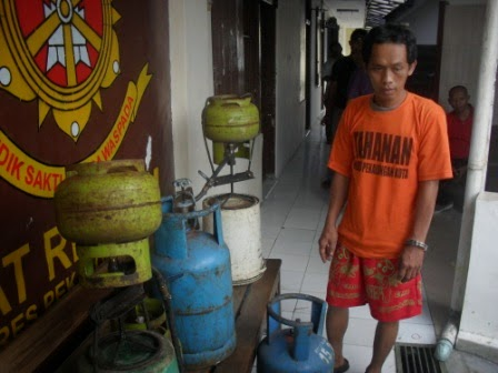 Pengoplos Tabung Gas Elpiji Dibekuk