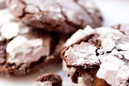 Salted Caramel Stuffed Chocolate Crinkle Cookies