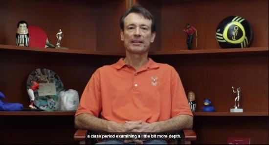 Profesor Orin Starn z Duke University